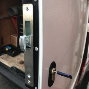 GARRISON HOOK BOLT DEADLOCK MERCEDES VITO 2015>